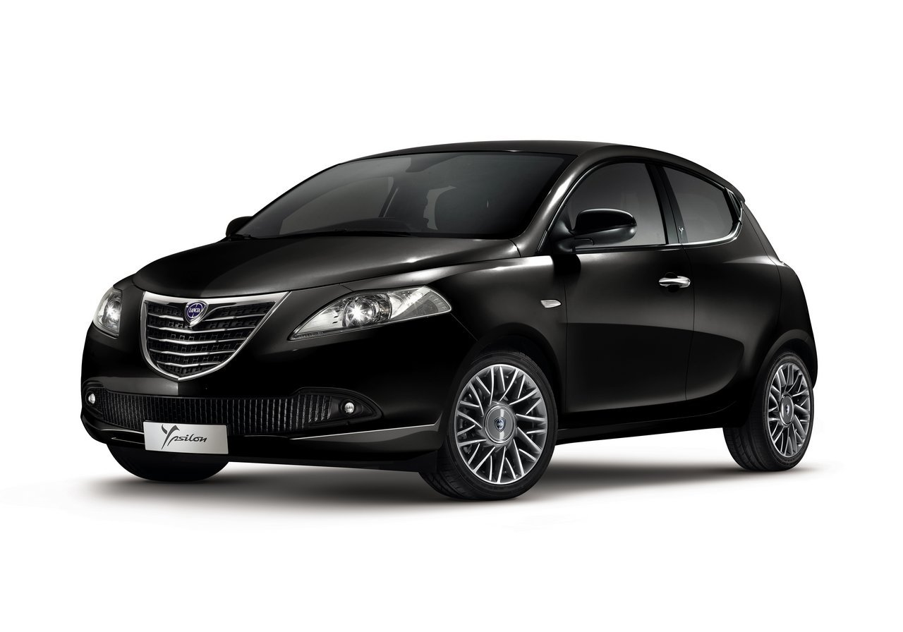 2018 Lancia Ypsilon photo - 2
