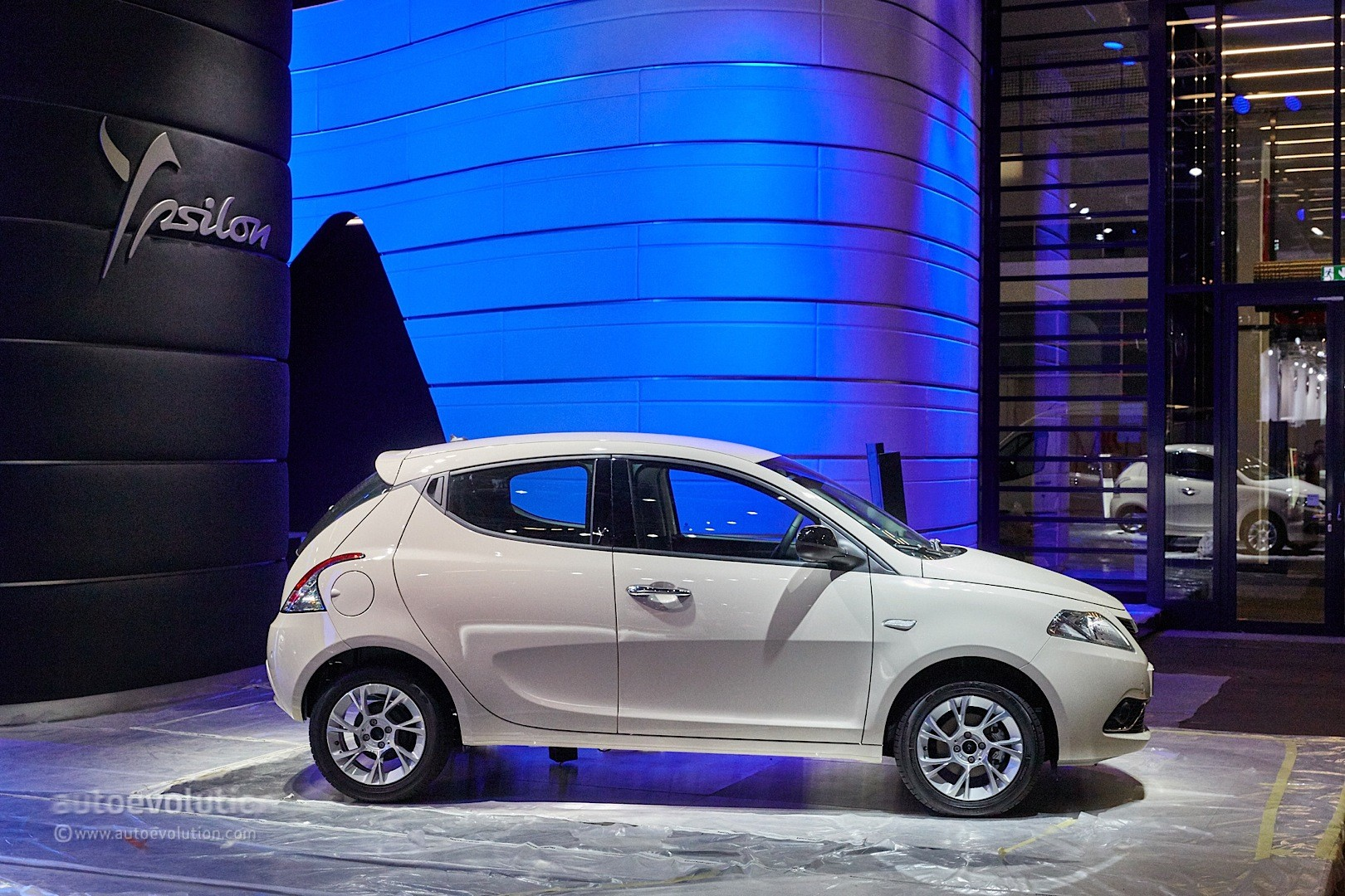 2018 Lancia Ypsilon BKini photo - 2