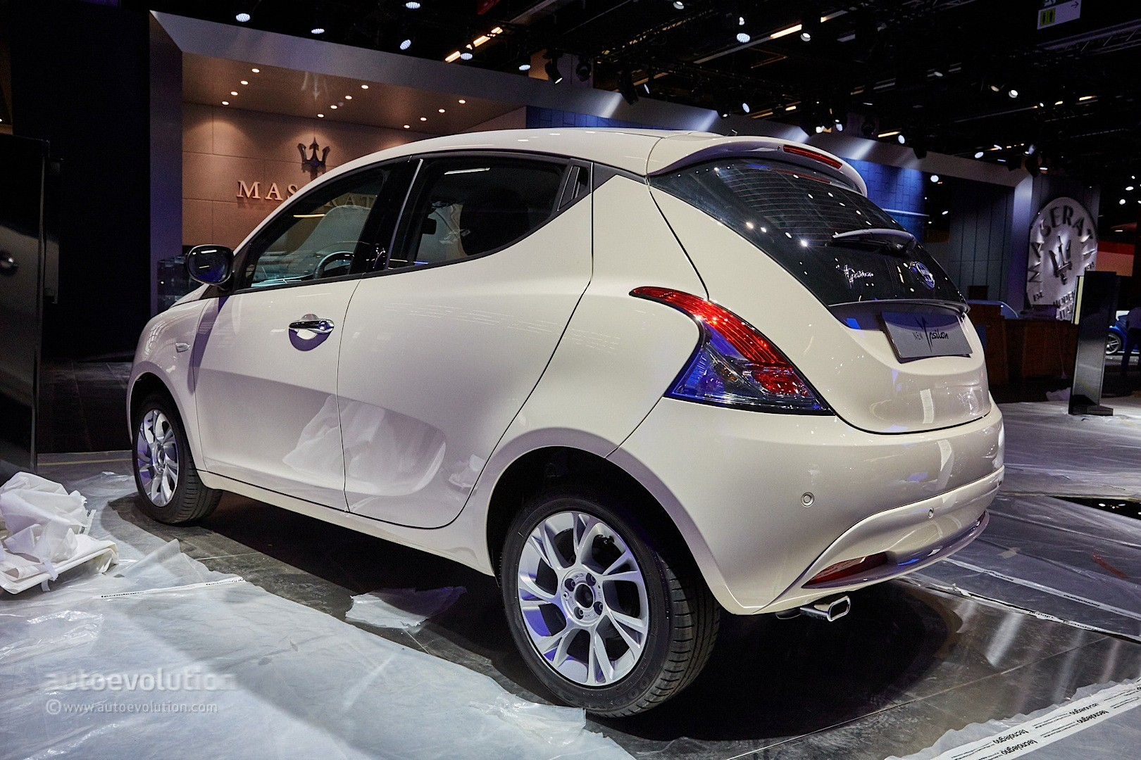 2018 Lancia Ypsilon BKini photo - 5