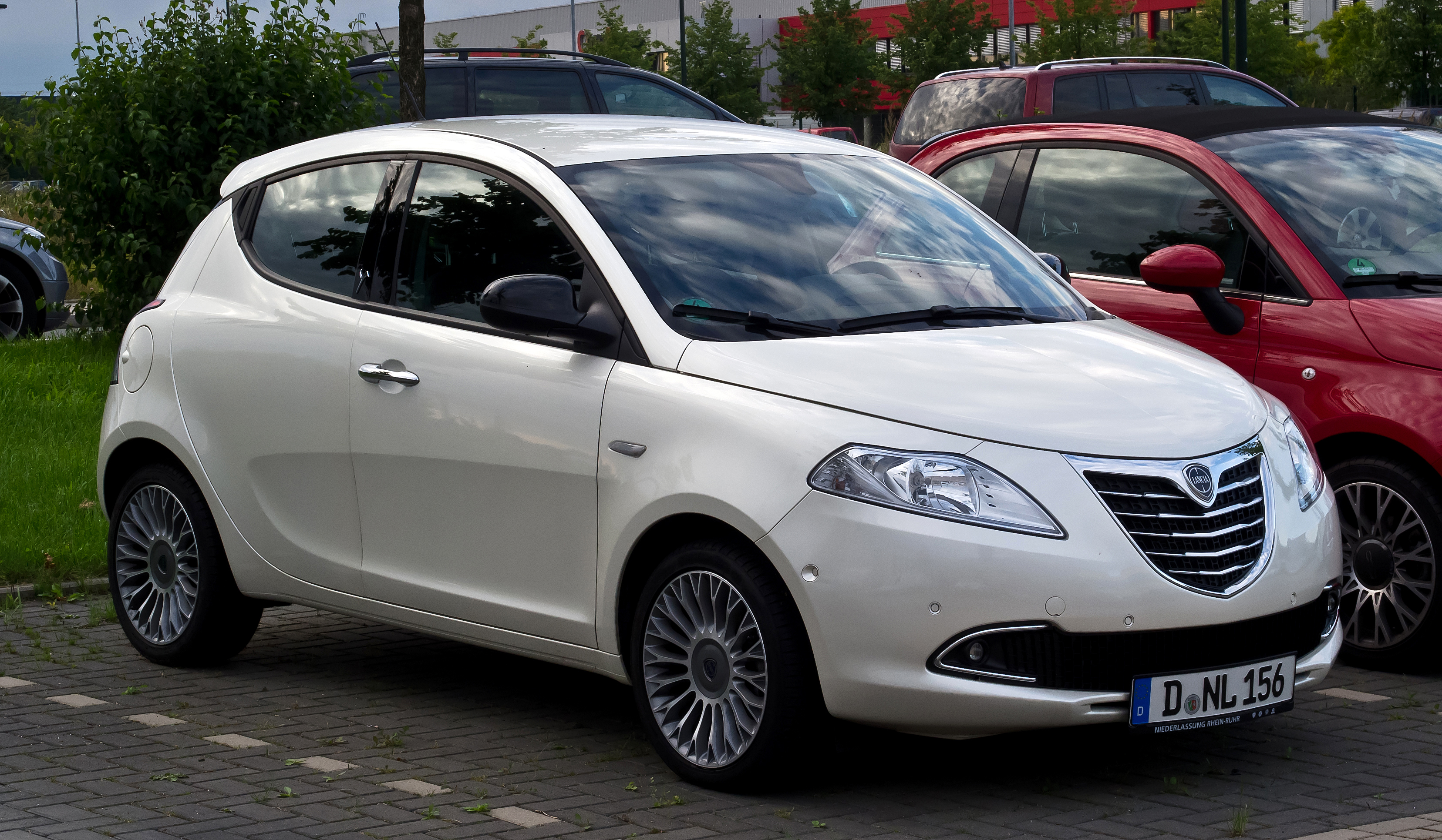 2018 Lancia Ypsilon Versus photo - 2