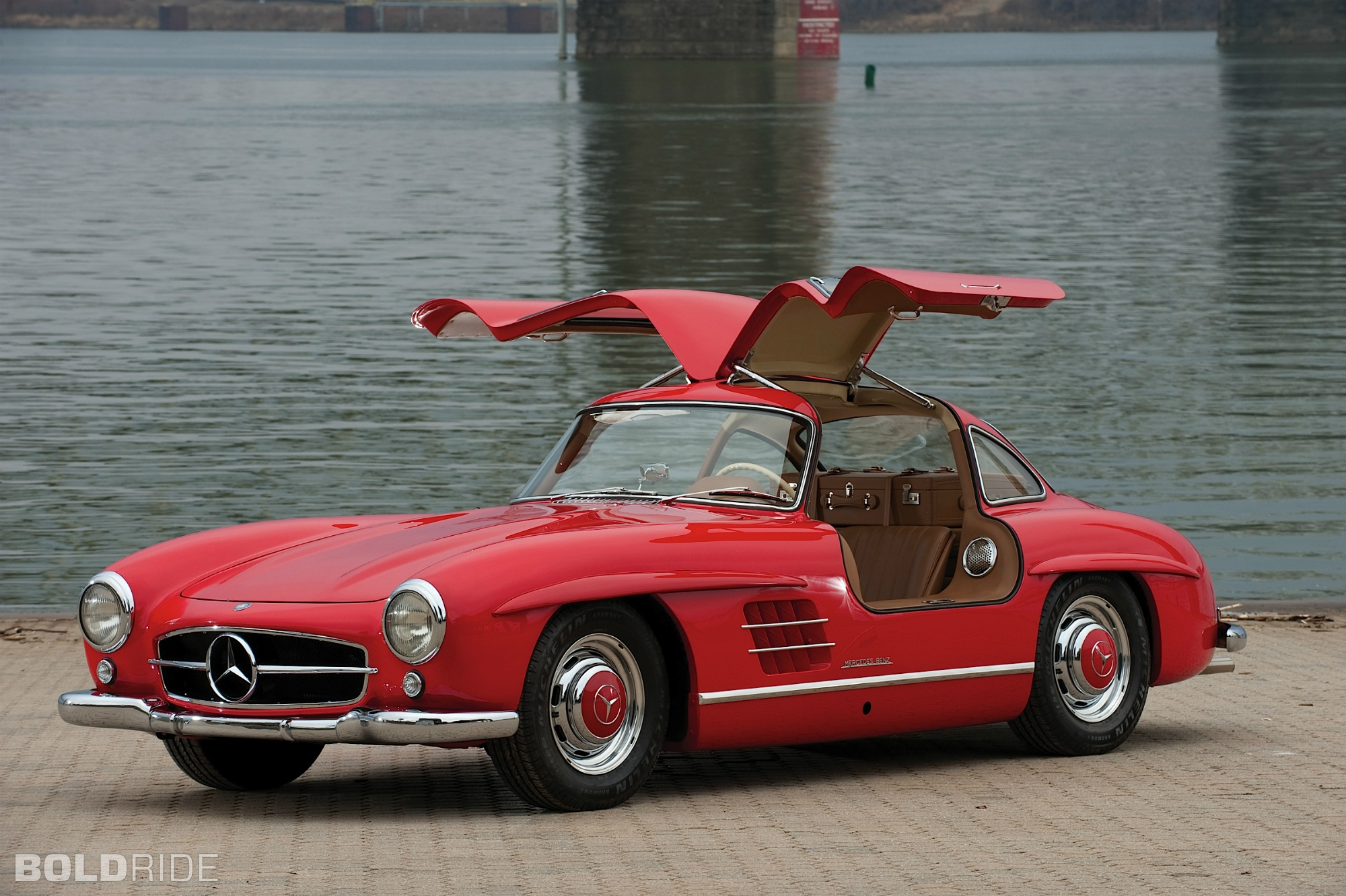 2018 Mercedes Benz 300 SL photo - 5