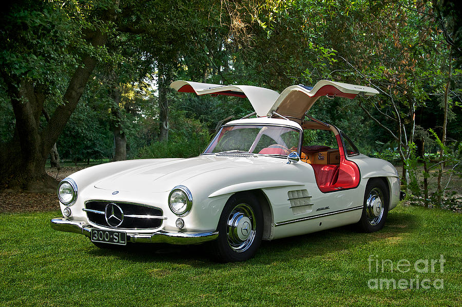 2018 Mercedes Benz 300 SL Gullwing photo - 2