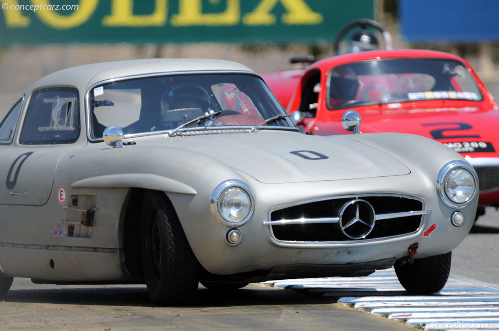 2018 Mercedes Benz 300 SL Gullwing photo - 3