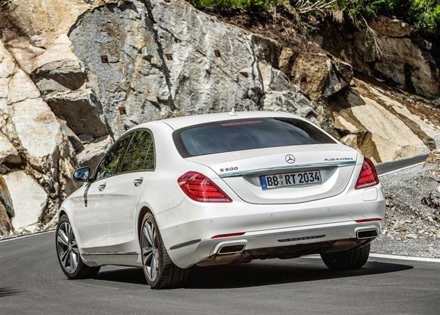 2018 Mercedes Benz 500E photo - 2