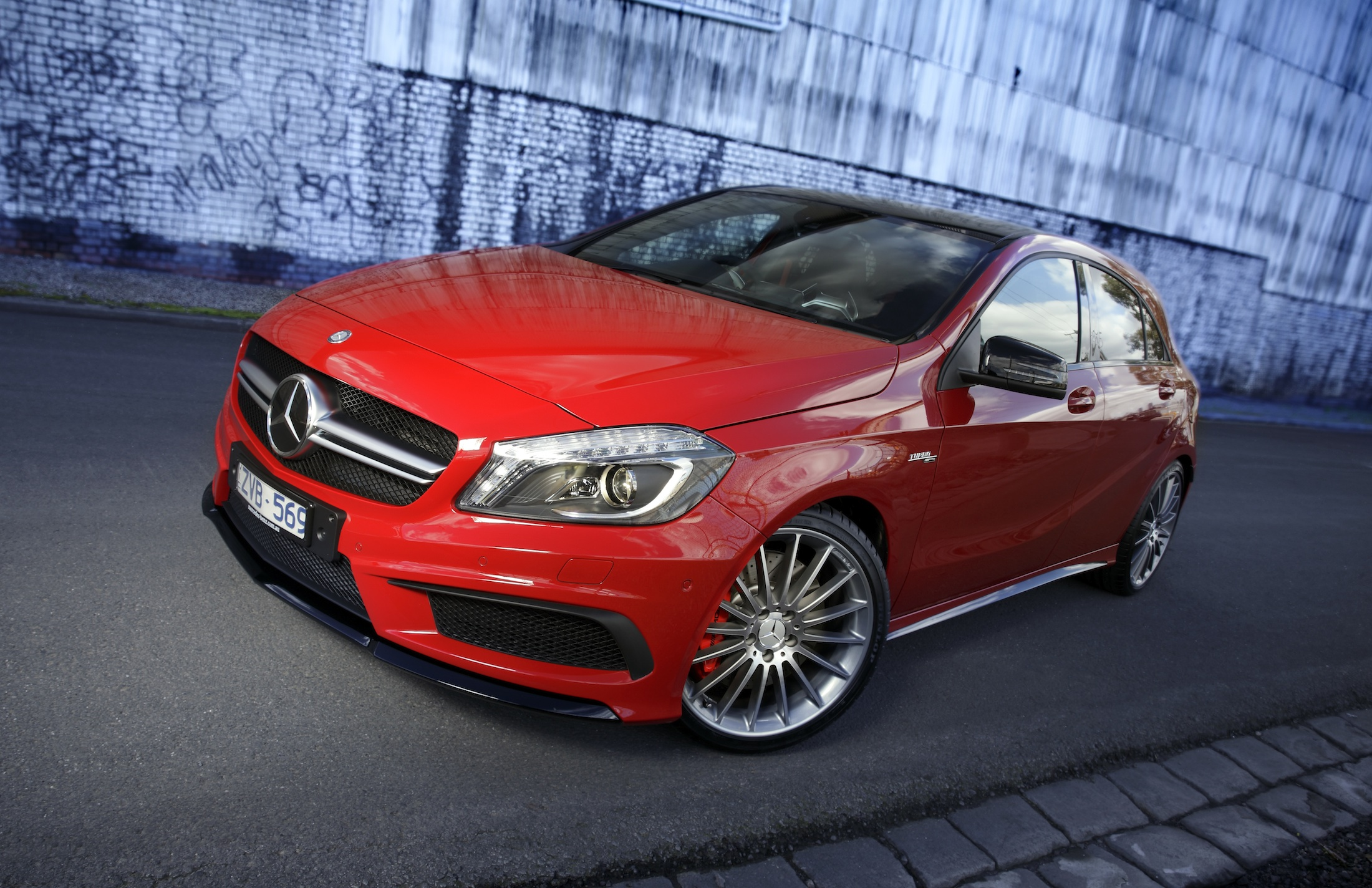 2018 Mercedes Benz A45 AMG photo - 5