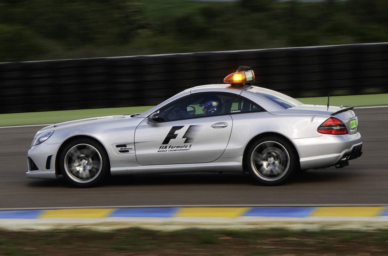 2018 Mercedes Benz AMG GT S F1 Safety Car photo - 4