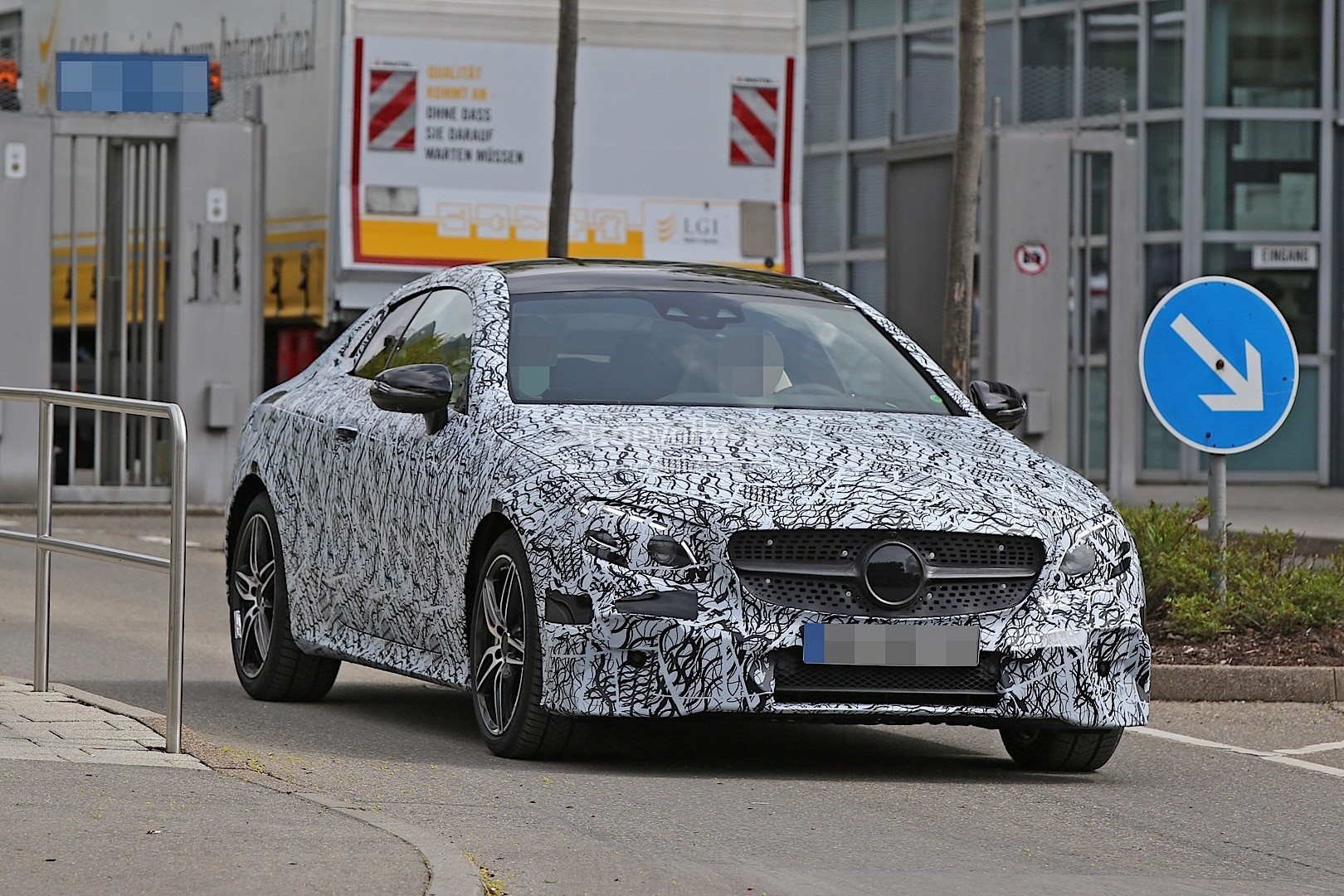 2018 Mercedes Benz C Class Coupe photo - 5