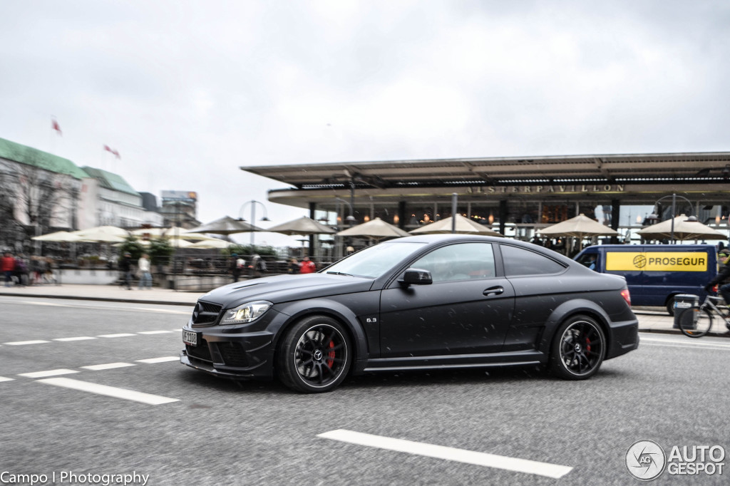 2018 Mercedes Benz C63 AMG Coupe Black Series photo - 1