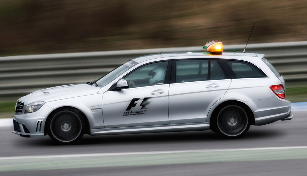 2018 Mercedes Benz C63 S AMG Estate F1 Medical Car photo - 4