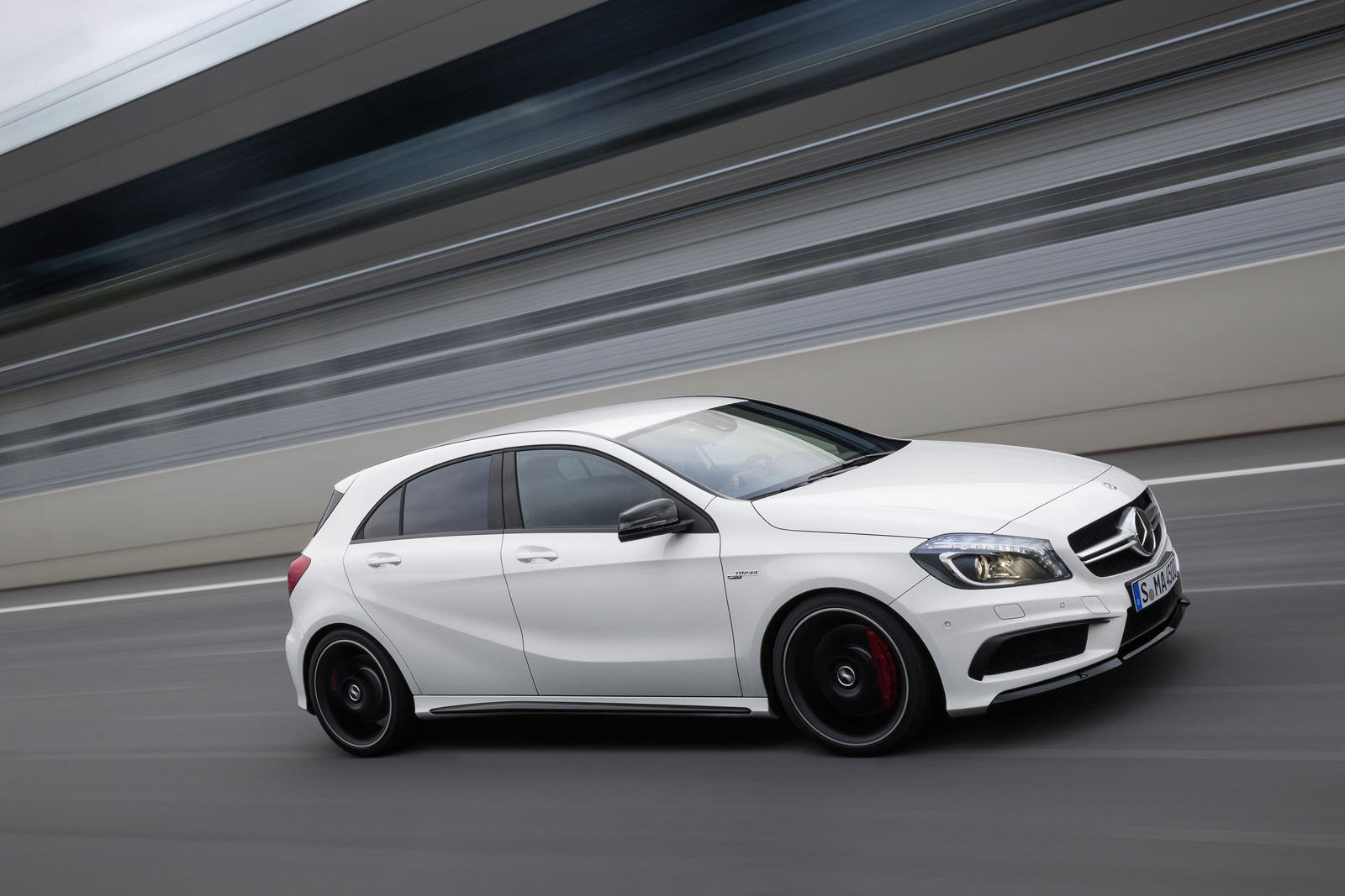 2018 Mercedes Benz CLA45 AMG photo - 3