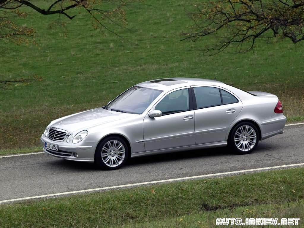 2018 Mercedes Benz E350 with Sports Equipment photo - 3