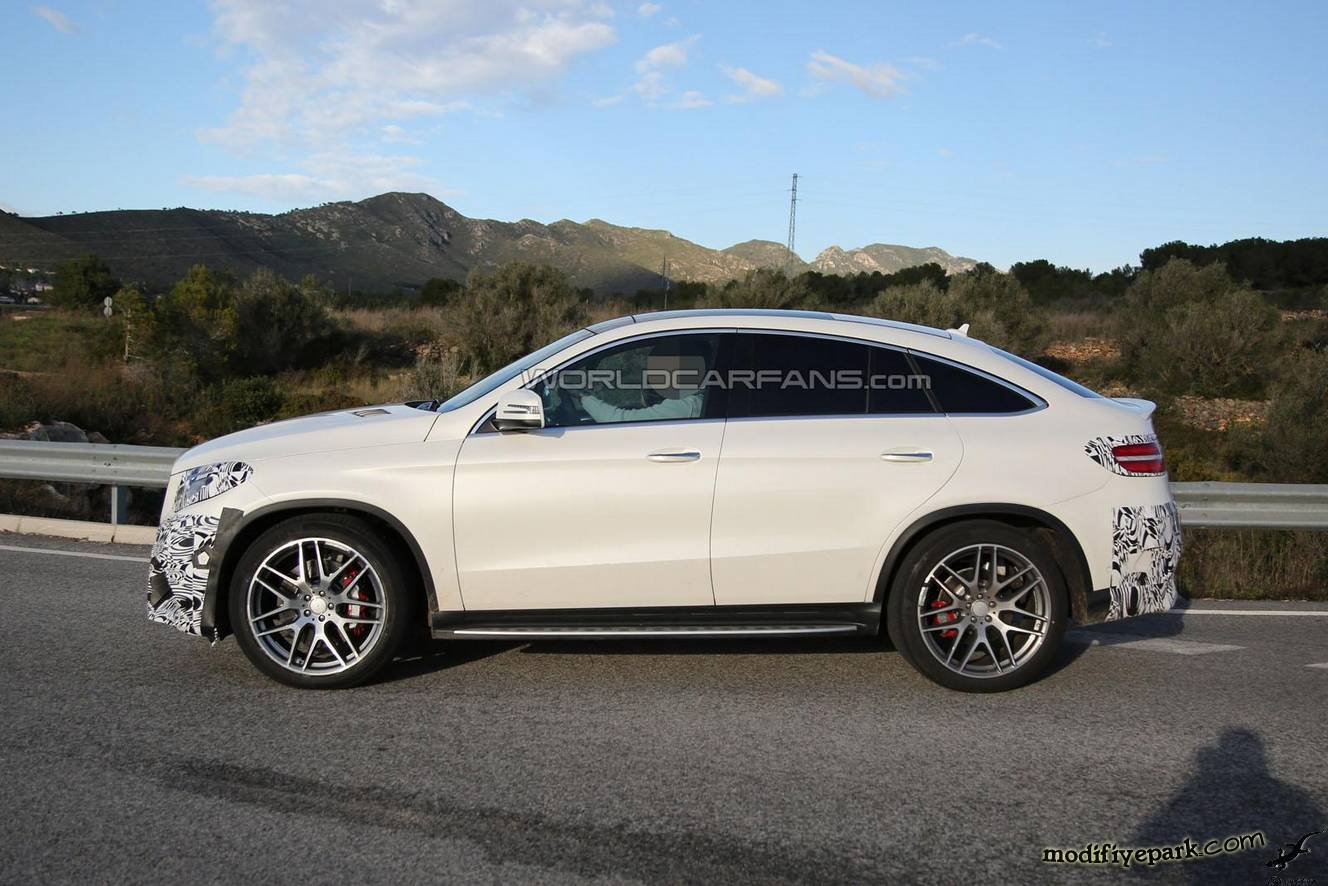 2018 Mercedes Benz GLE 63 AMG photo - 2