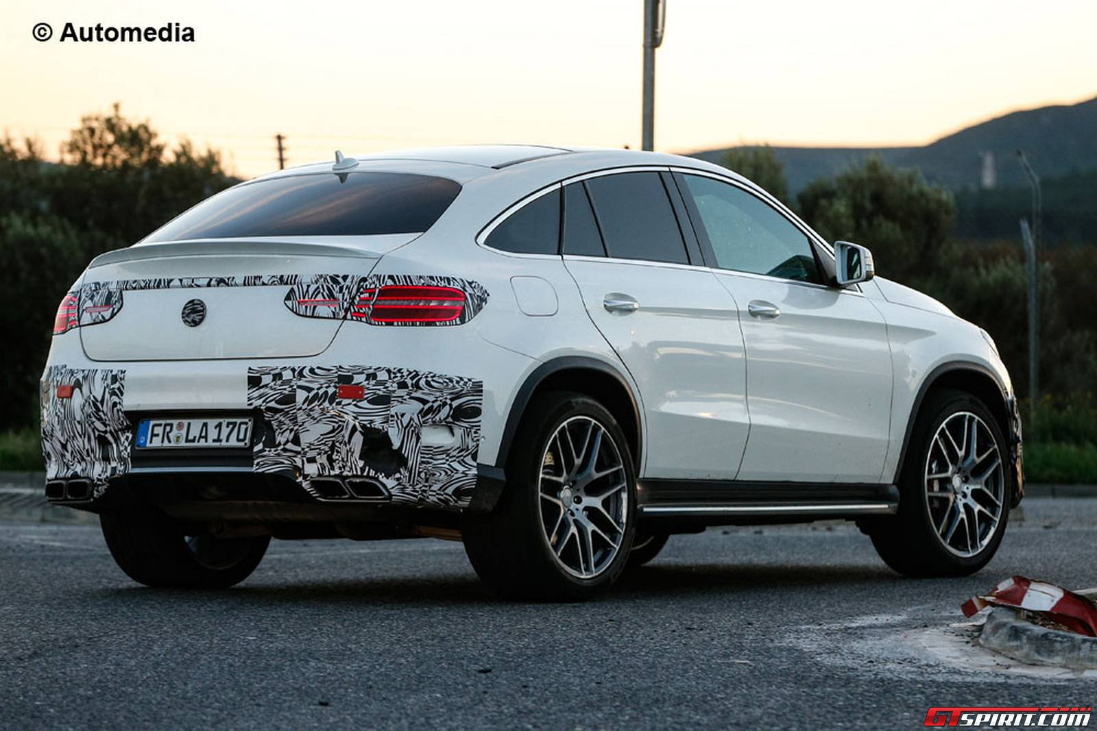 2018 Mercedes Benz GLE Coupe photo - 1