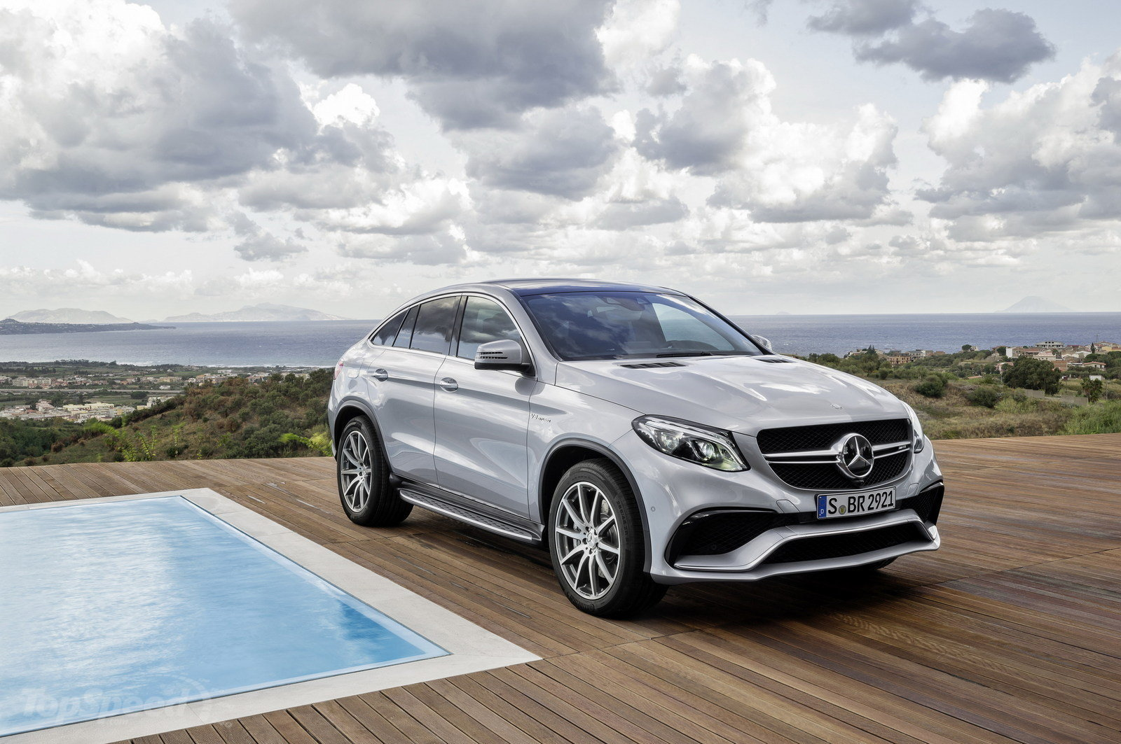 2018 Mercedes Benz GLE63 AMG Coupe photo - 5