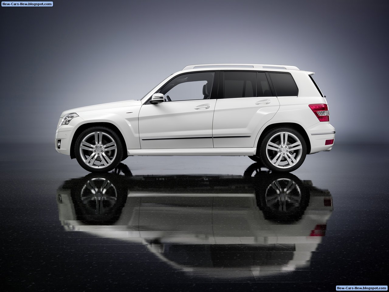 2018 mercedes benz glk 350 4matic car photos catalog 2018 for Mercedes benz car picture gallery