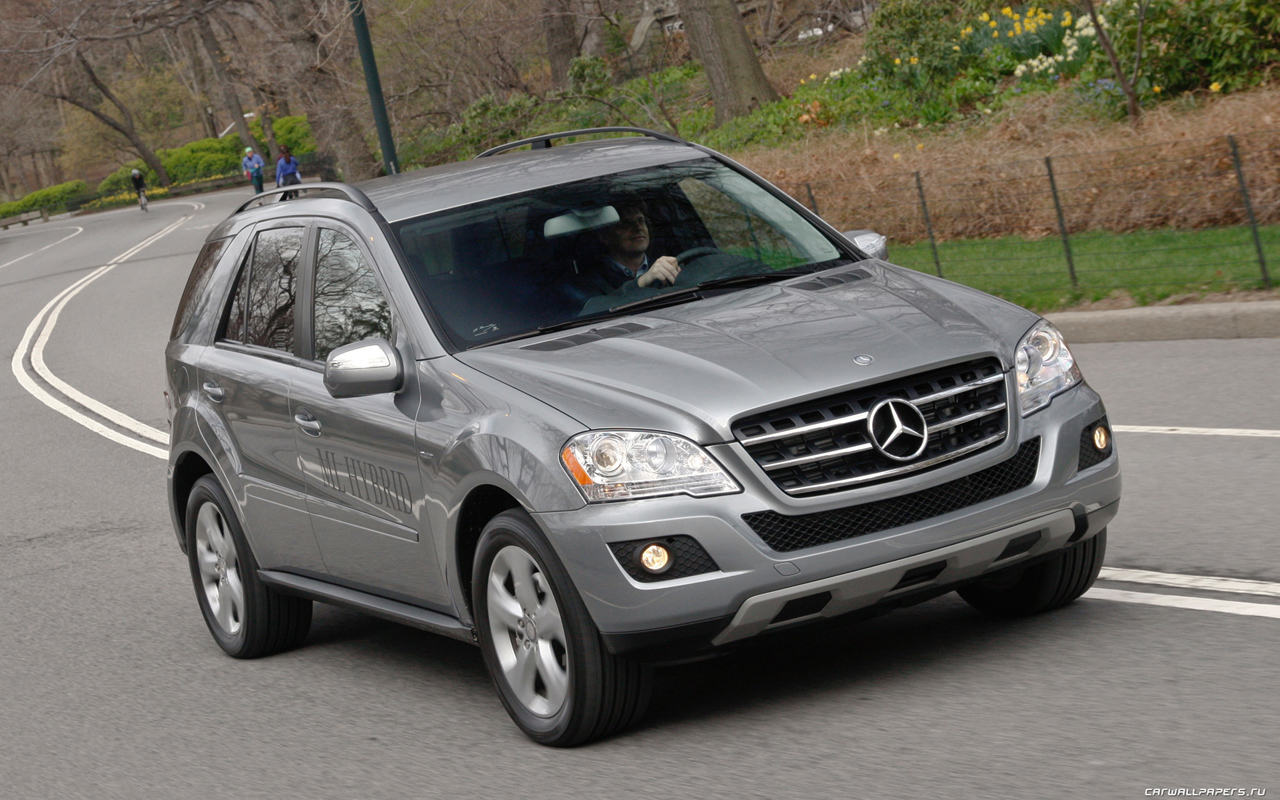 2018 Mercedes Benz ML450 Hybrid photo - 5