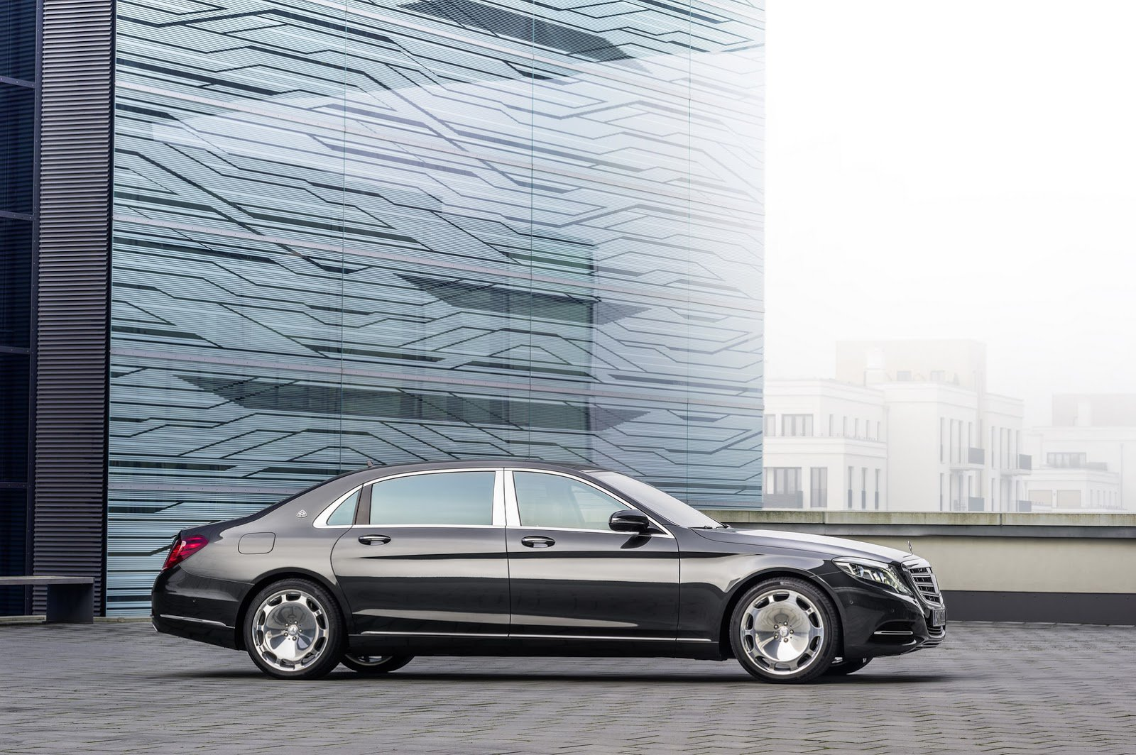 2018 Mercedes Benz S Class Maybach photo - 2