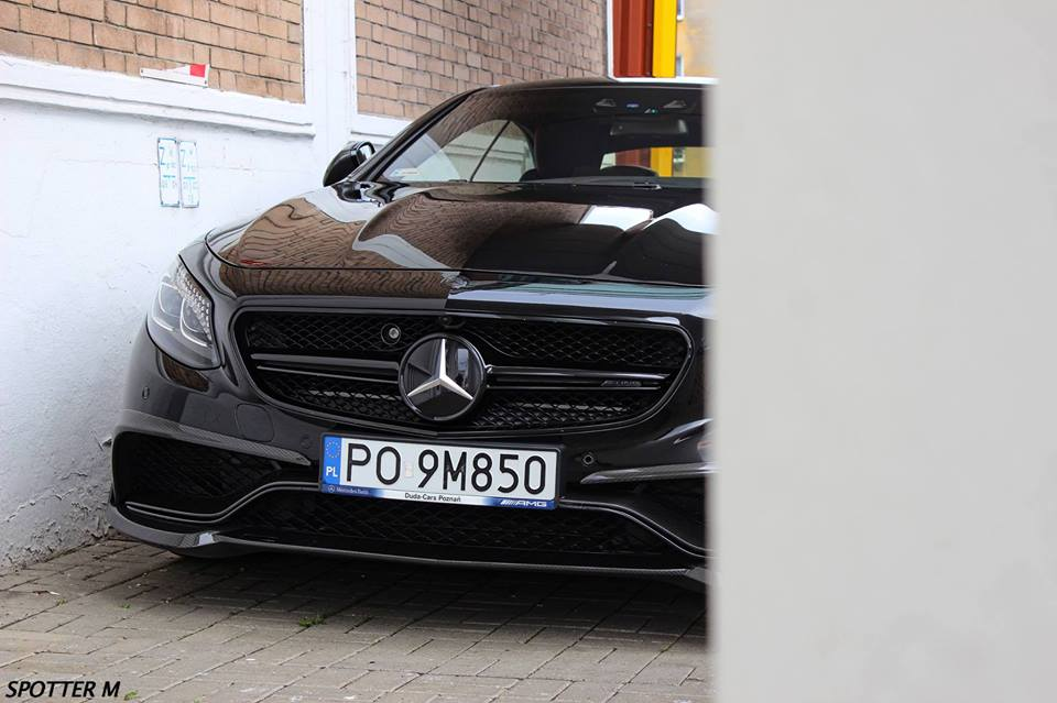 2018 Mercedes Benz S63 AMG Coupe photo - 5