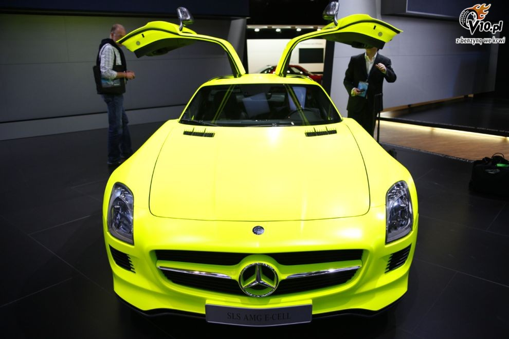 2018 Mercedes Benz SLS AMG E Cell Concept photo - 2