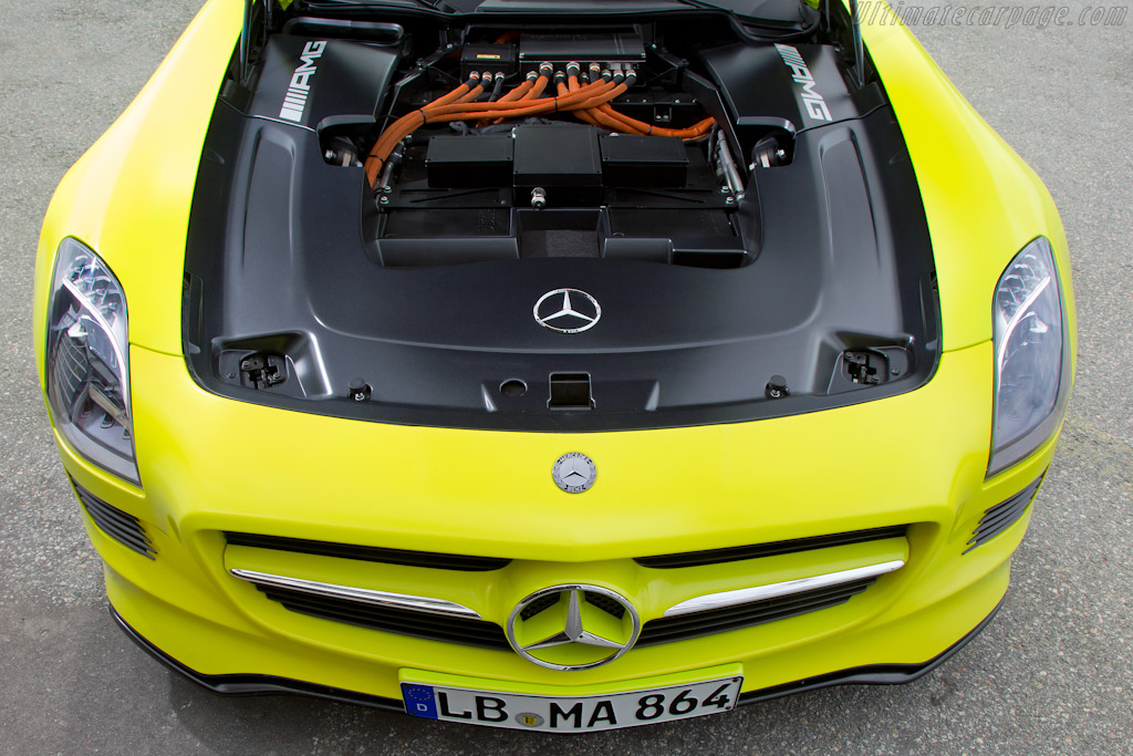 2018 Mercedes Benz SLS AMG E Cell Concept photo - 3