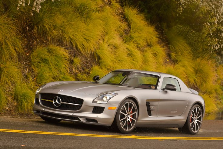 2018 Mercedes Benz SLS AMG GT photo - 1