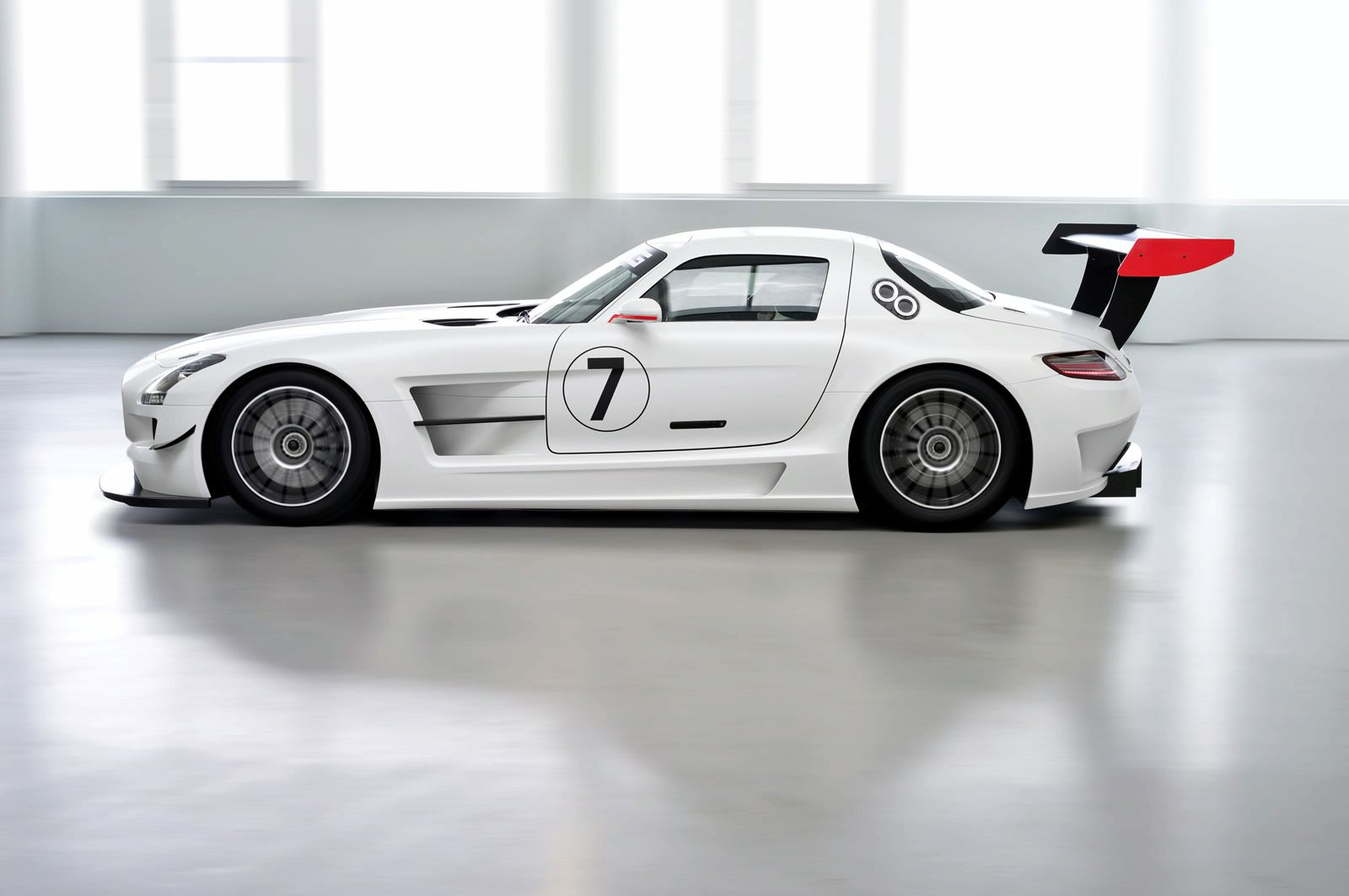 2018 Mercedes Benz SLS AMG GT3 photo - 5