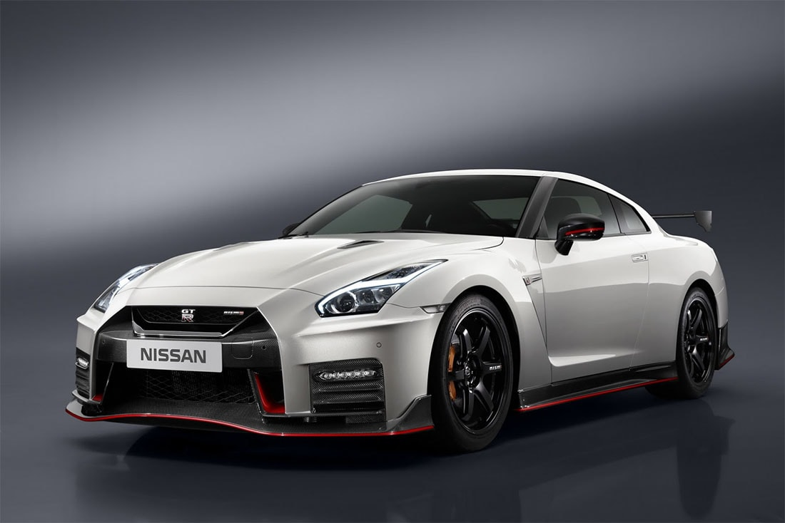 2018 Nissan GT R Track Edition photo - 4