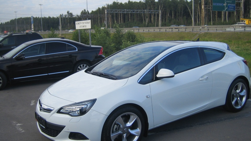 2018 opel astra gtc with panoramic roof car photos. Black Bedroom Furniture Sets. Home Design Ideas