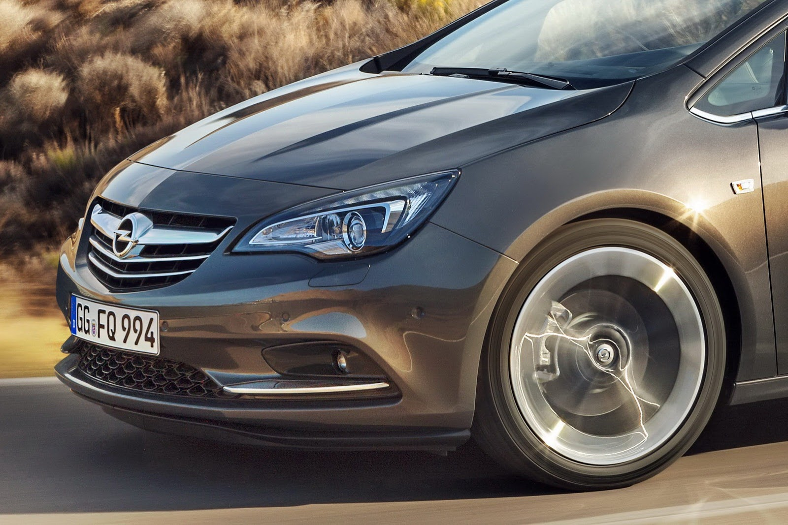 2018 Opel Cascada photo - 2