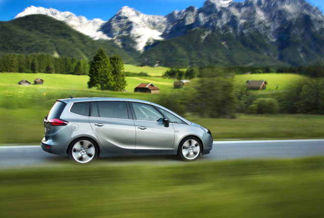 2018 Opel Zafira photo - 3