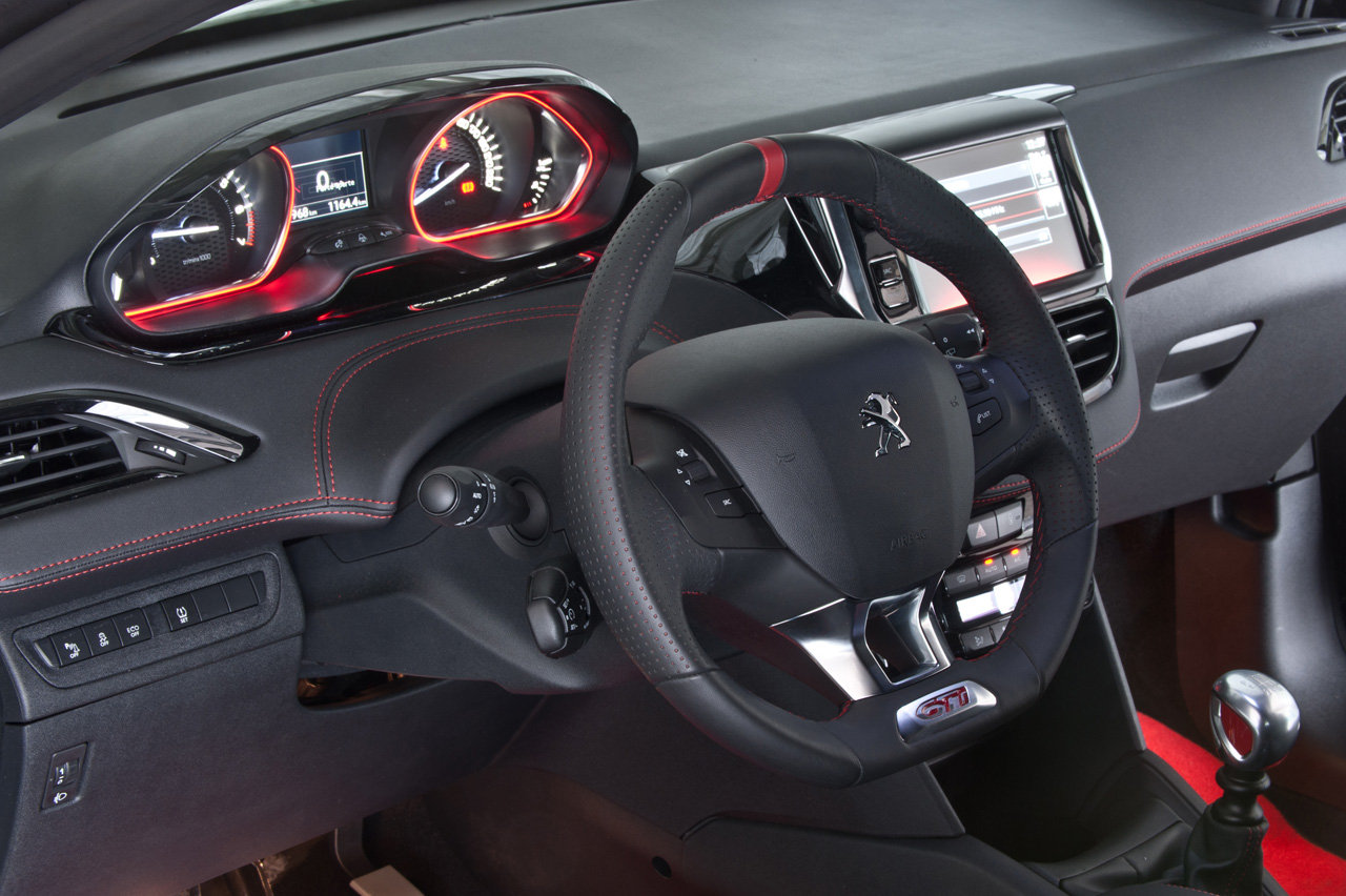2018 Peugeot 208 GTi 30th Anniversary Edition photo - 1