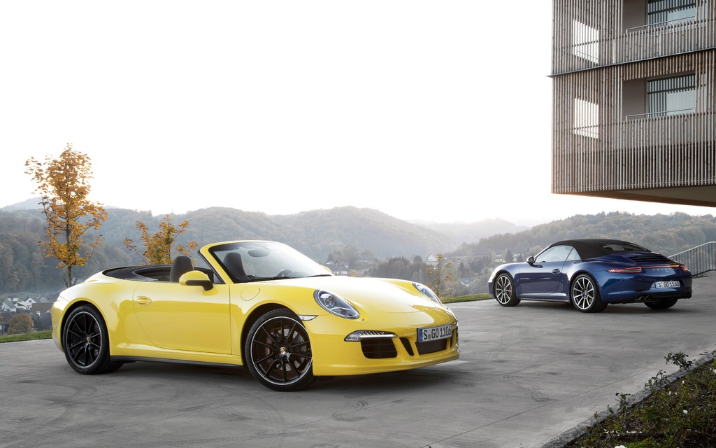2018 Porsche 911 Carrera 4S Cabriolet photo - 3