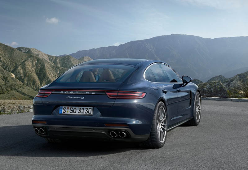 on New 2018 Porsche Panamera GTS cars, and find photos 2018 ...