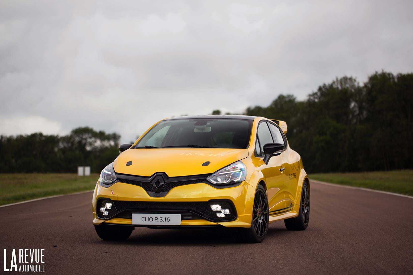 2018 renault clio rs car photos catalog 2019. Black Bedroom Furniture Sets. Home Design Ideas