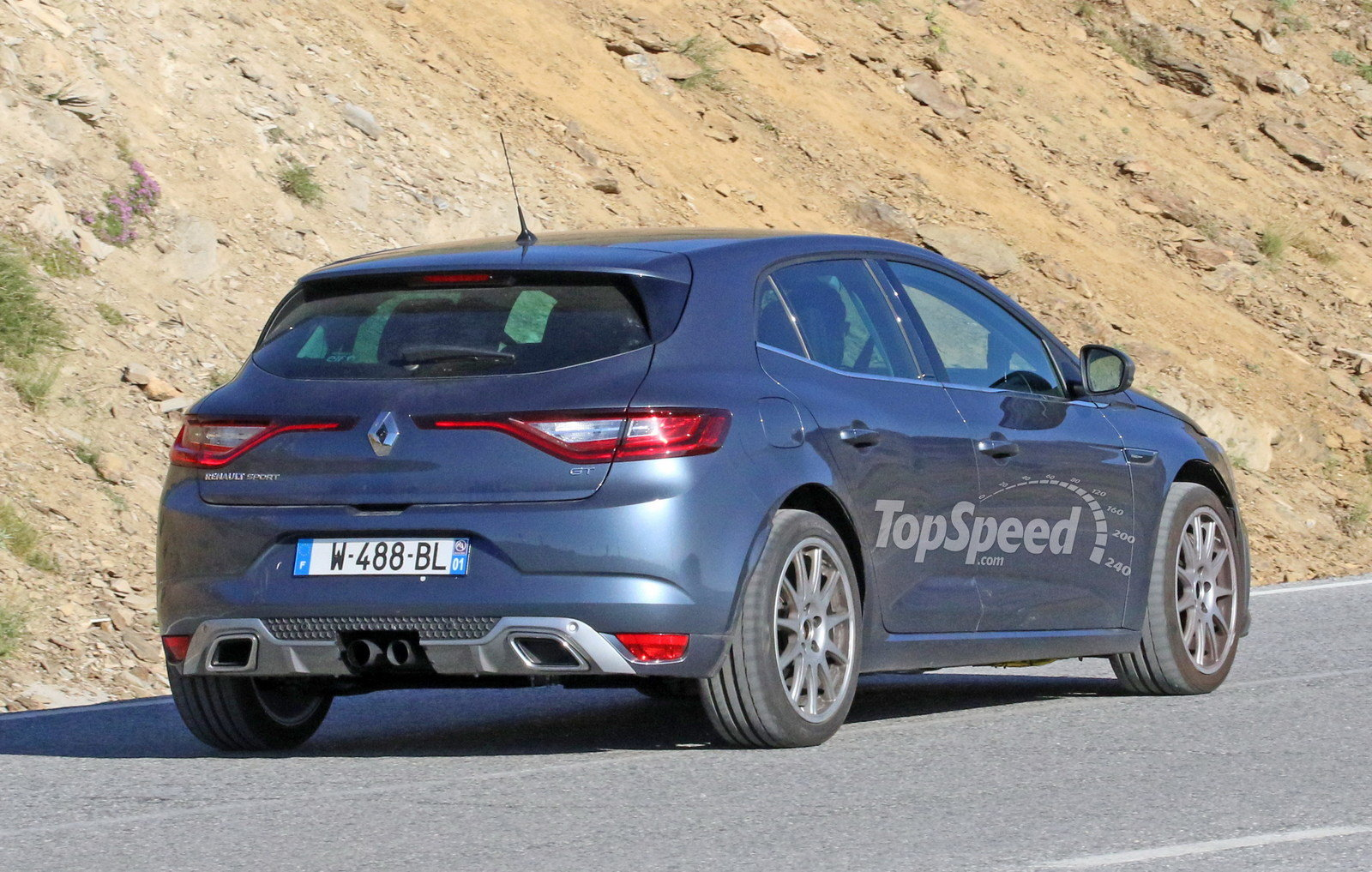 2018 Renault Megane Hatchback photo - 1