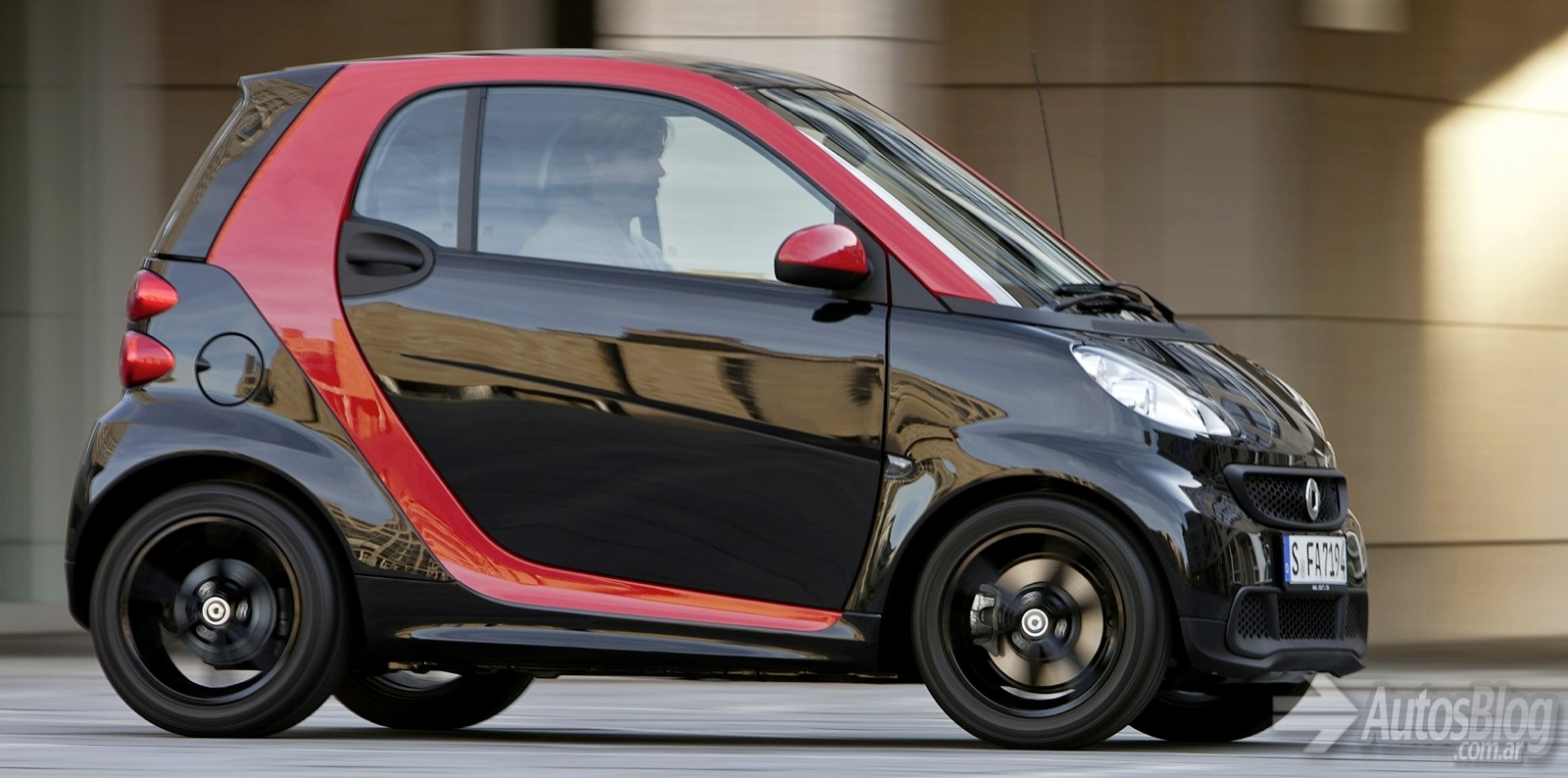 2018 Smart fortwo edition red photo - 1