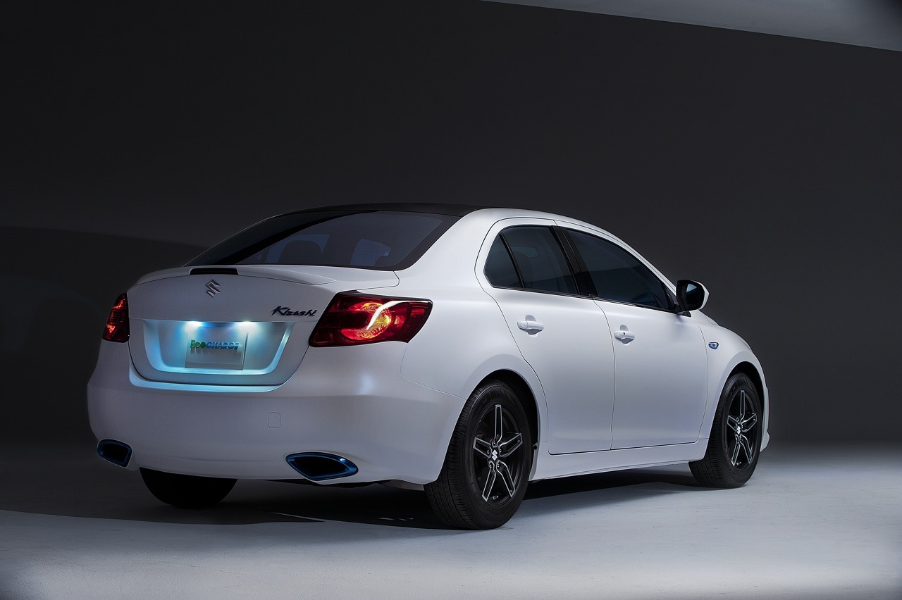 2018 Suzuki Kizashi EcoCharge Concept photo - 4