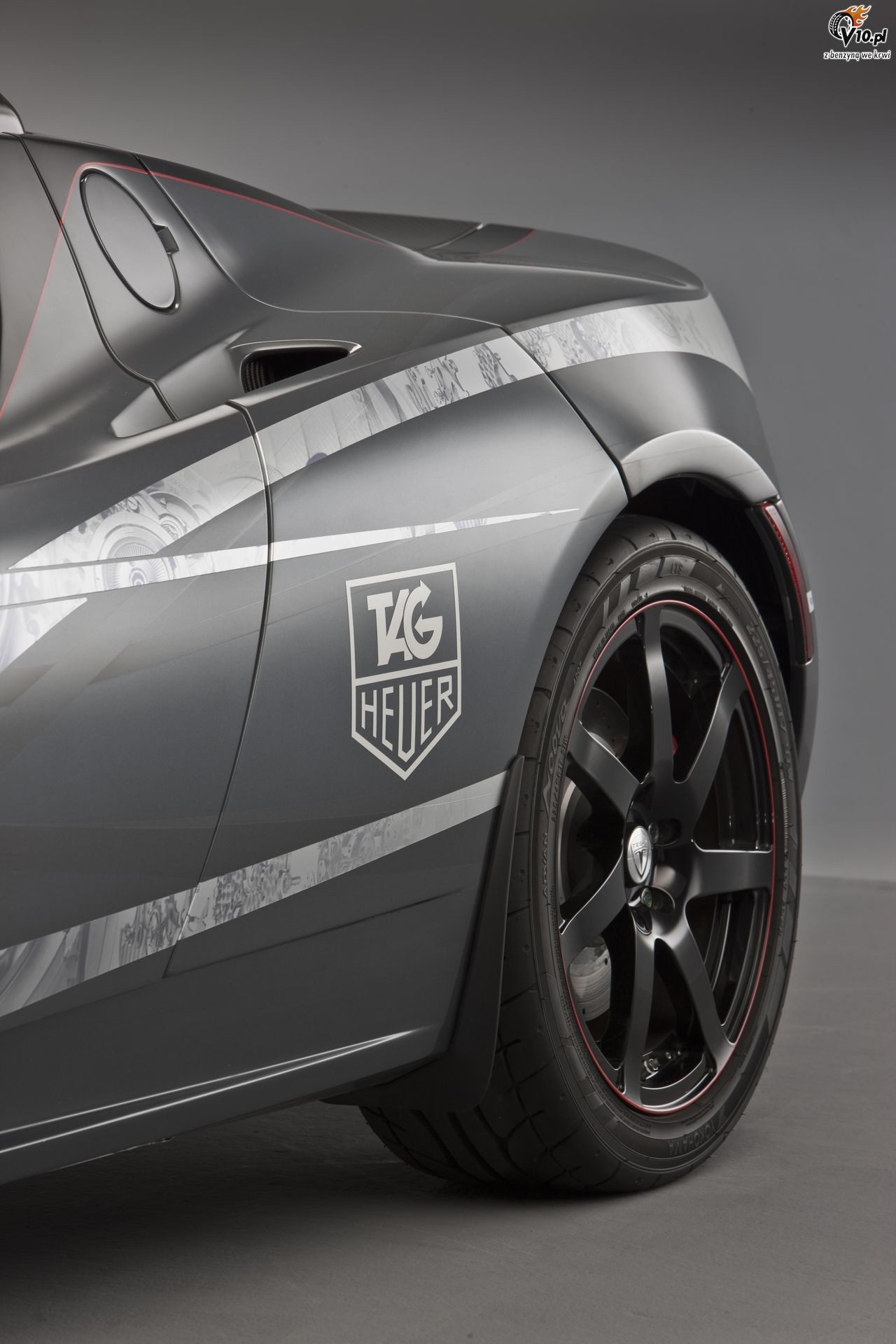2018 Tesla Roadster TAG Heuer photo - 4