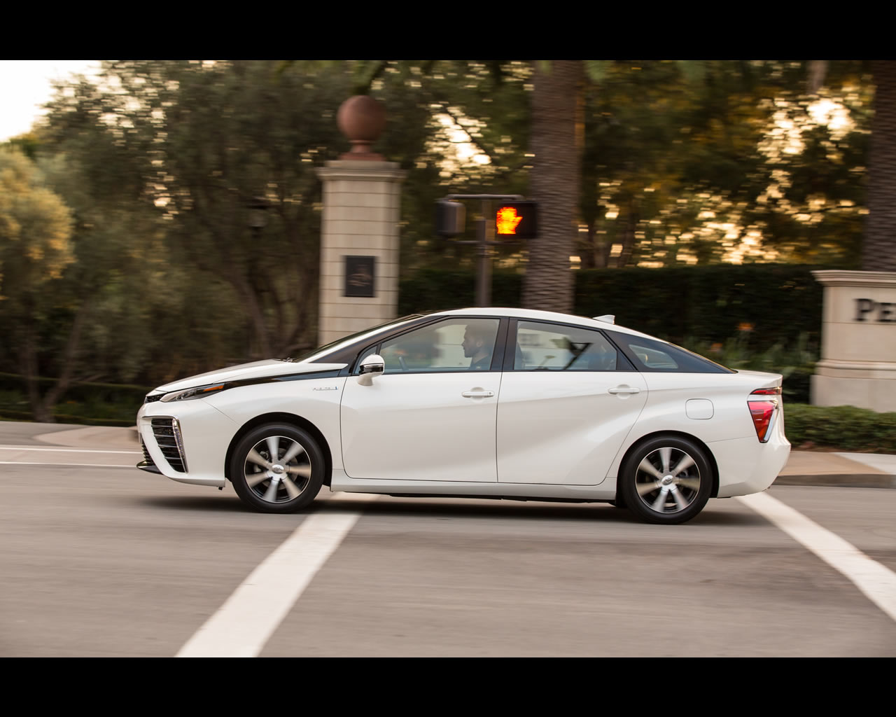 2018 Toyota FINES FuelCell Concept photo - 2
