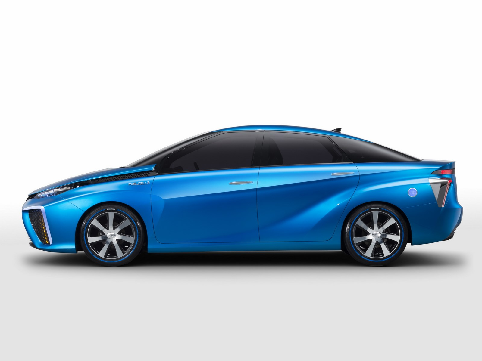 2018 Toyota FINES FuelCell Concept photo - 5