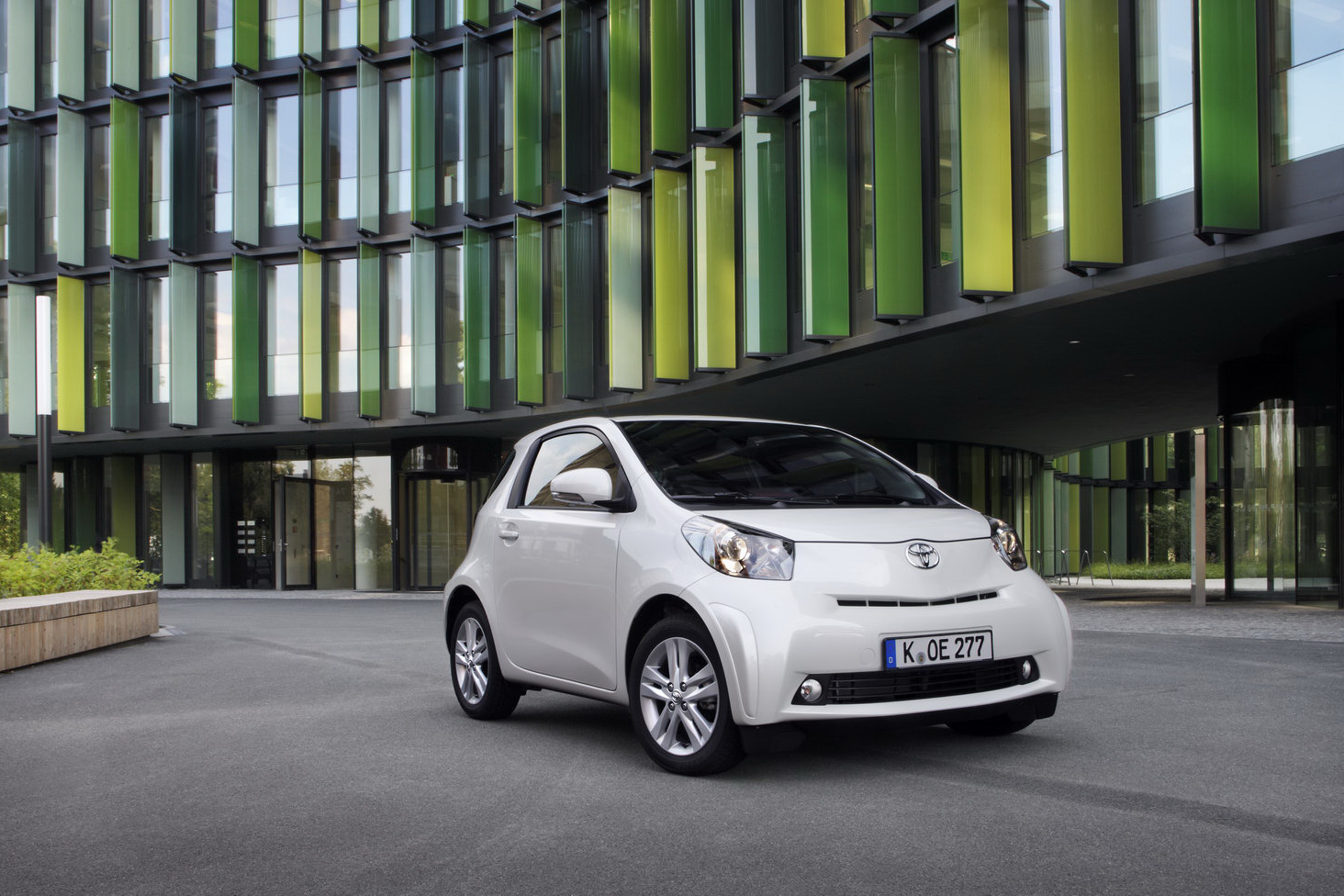 2018 Toyota iQ photo - 3