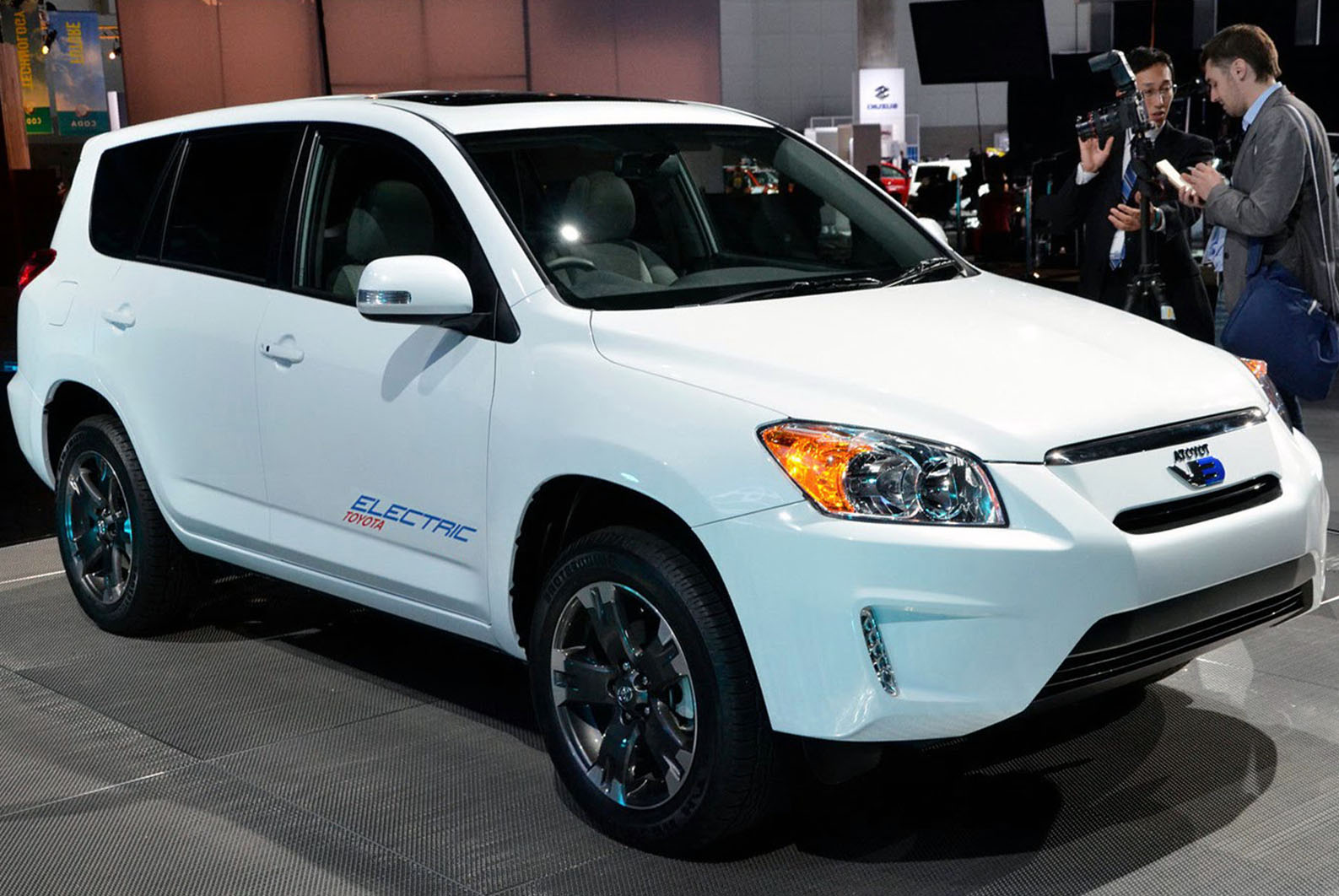 2018 Toyota Rav4 Ev Car Photos Catalog 2019