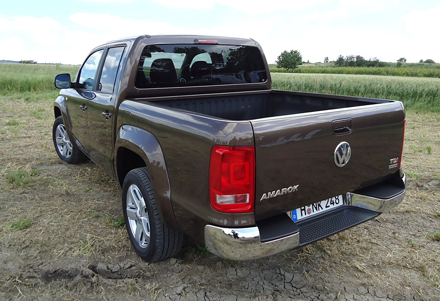 2018 Volkswagen Amarok photo - 1