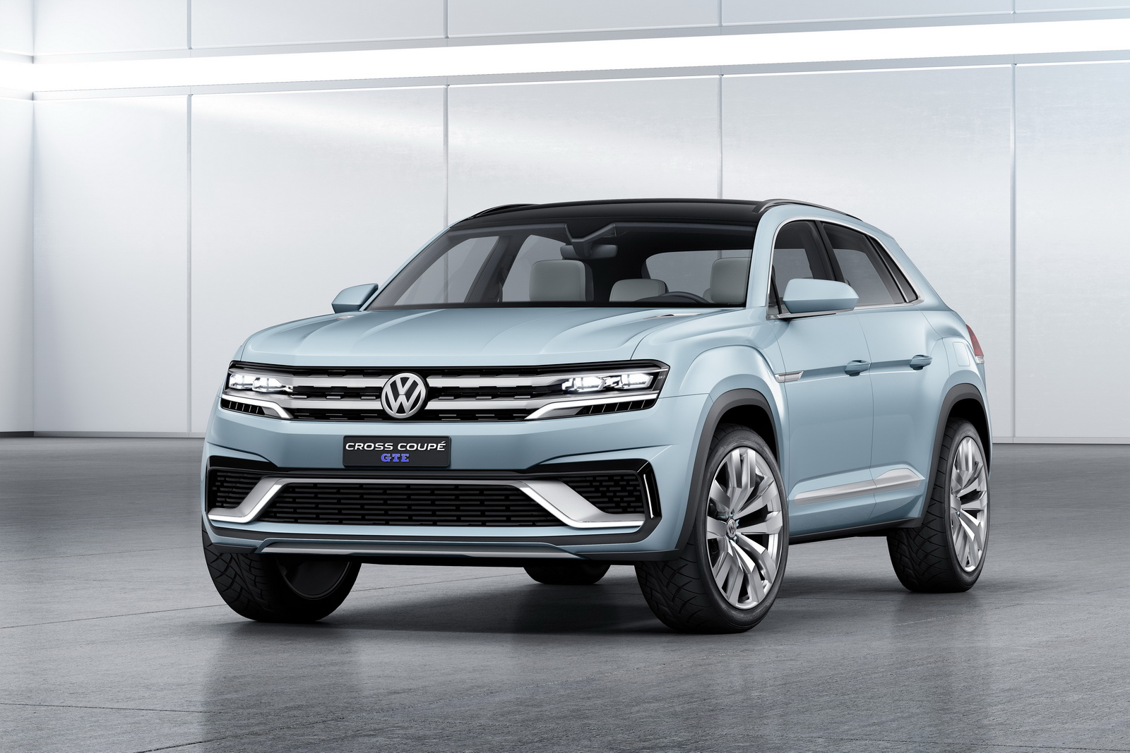 2018 Volkswagen CrossBlue Coupe Concept photo - 1
