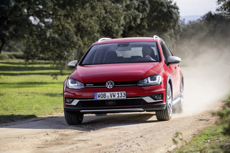 2018 Volkswagen Golf Alltrack photo - 4