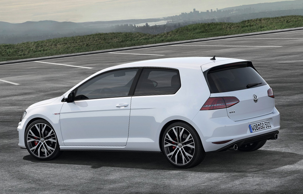 2018 Volkswagen Golf I GTI photo - 3