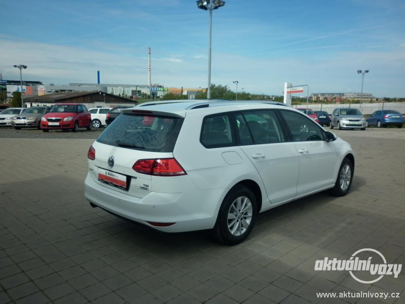 2018 Volkswagen Golf Variant photo - 3