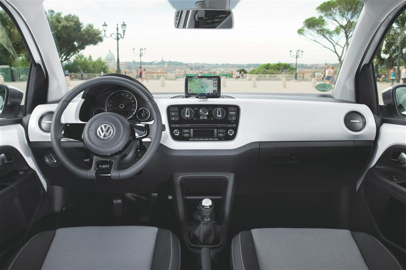 2018 Volkswagen Up 4 door photo - 2