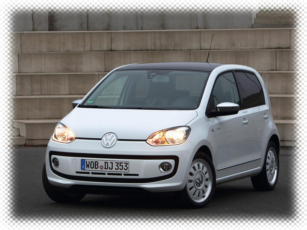 2018 Volkswagen Up 4 door photo - 3