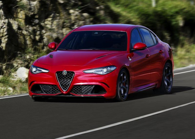 2019 Alfa Romeo 155 photo - 1
